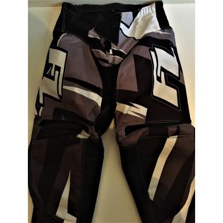 Pantalon Impact Gris 34